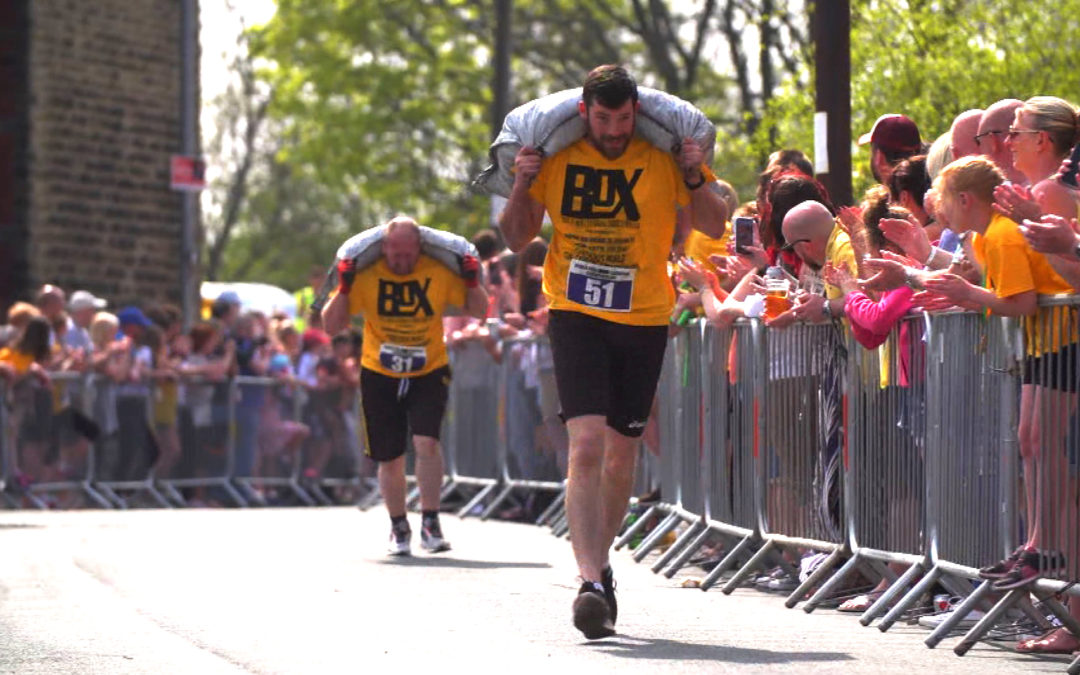 World Coal Carrying Championships wow's crowd on hottest spring day